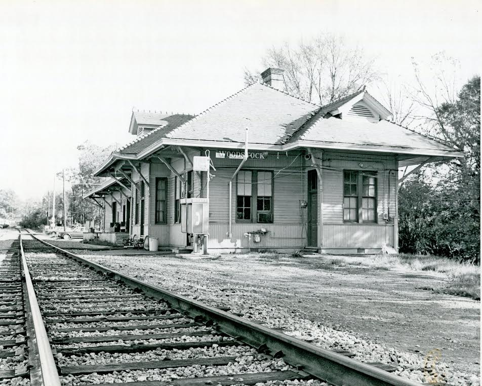 Around Woodstock Woodstock train depot 1912
